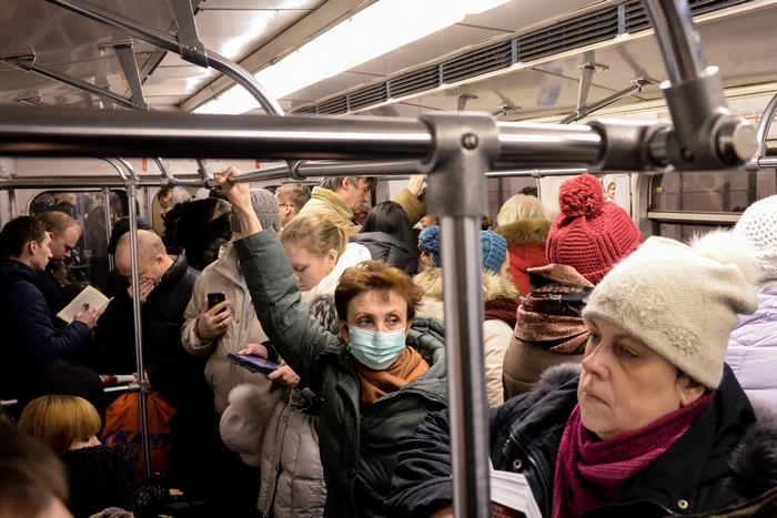 В России из-за эпидемии гриппа закрыты на карантин около девяти тысяч школ и свыше 1600 детских садов