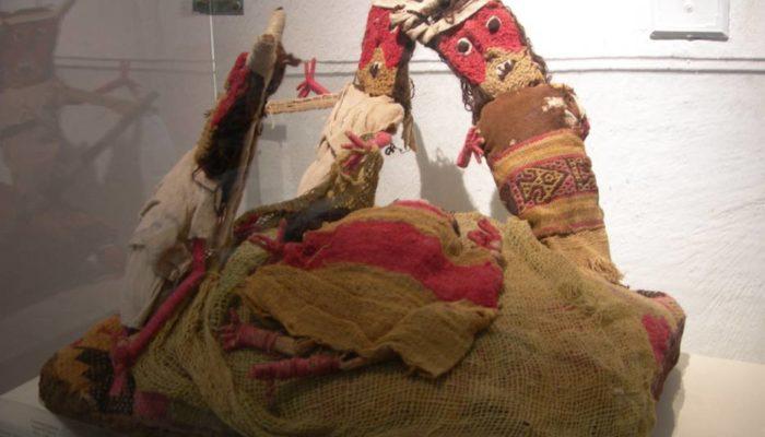 Древние перуанские погребальные куклы Чанкай