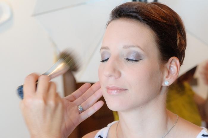 Тональный крем замедляет старение кожи?