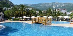 Отели Кубани не имеют права выселять не привившихся за три дня туристов