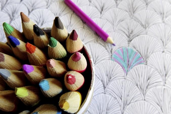 Раскрашивание — занятие не только для детей. Фото JDwowiStock