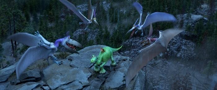 Стайка птеродактилей, Арло и Спот. Фото: 2015 Disney/Pixar