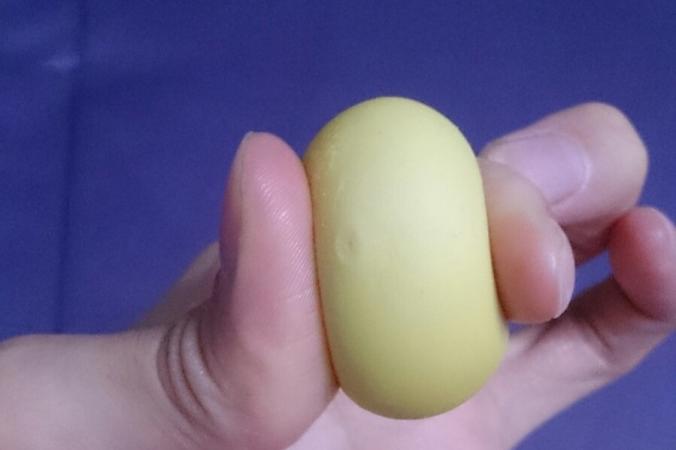 поддельные яйца