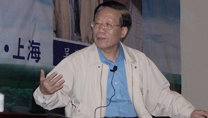 Бывший ведущий сотрудник главной газеты компартии Китая призвал власти ослабить цензуру