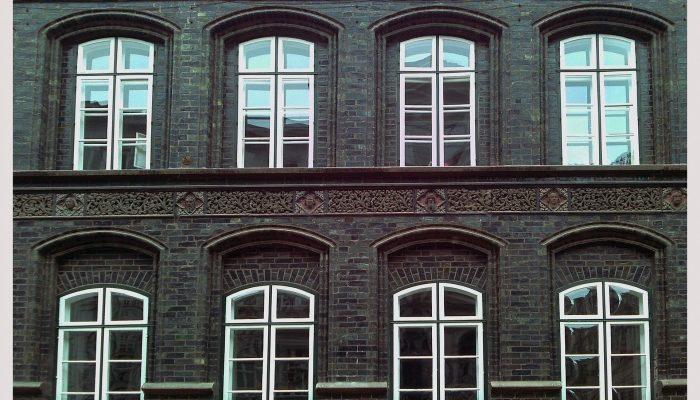 Окна ПВХ — надёжная защита от холода и шума
