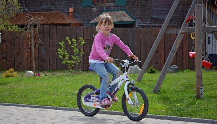 Как обучить ребёнка ездить на велосипеде