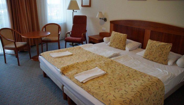 Преимущества кроватей из дерева