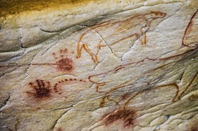 Учёные разгадали, что отпечатки крохотных «ручек» на стенах египетской пещеры Вади Сура II не являются человеческими.