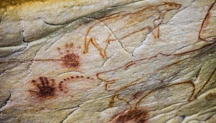 Учёные разгадали тайну отпечатков маленьких ладошек в египетской пещере