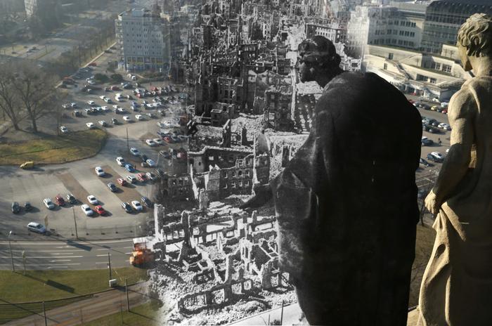 Это составное изображение показывает статую на городской ратуше Дрездена, которая смотрит на руины после бомбёжки. Изображение перекликается с современными видами города. Фото: Sean Gallup/Getty Images