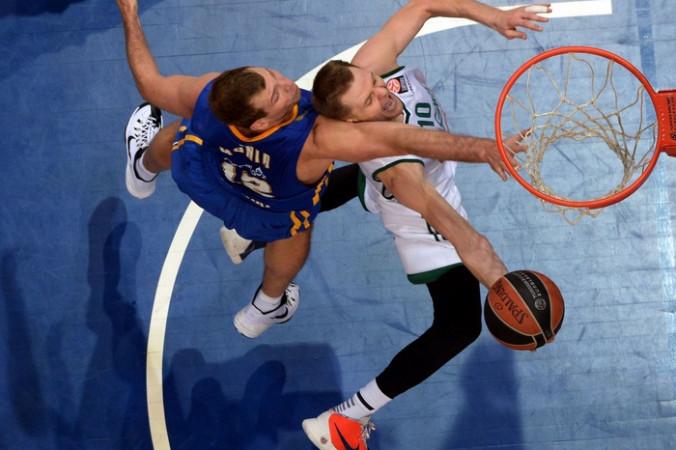 Матч между командами «Химки» и «Жальгирис». Фото: VASILY MAXIMOV/AFP/Getty Images