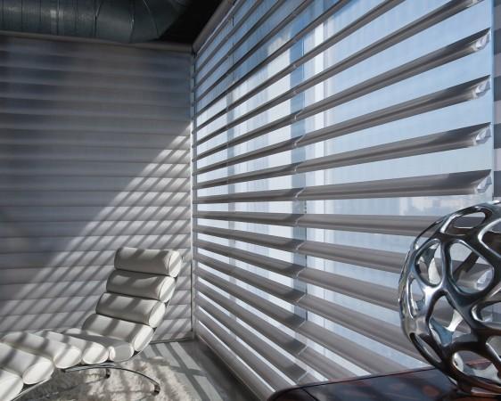 Сменить шторы ― быстрый и лёгкий способ преобразить интерьер. Фото: Hunter Douglas