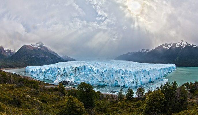 Таяние арктических льдов несёт гибель белым медведям и эскимосам (видео)
