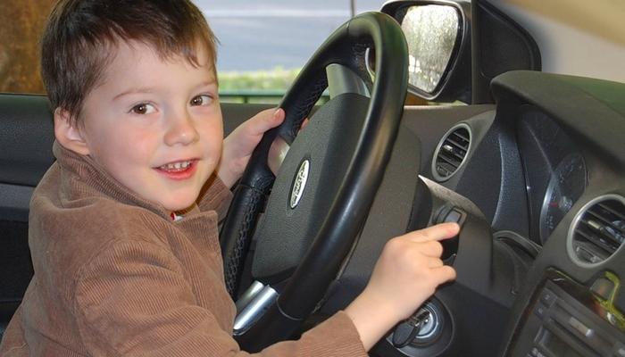 В московских школах и колледжах предлагают ввести уроки вождения автомобиля