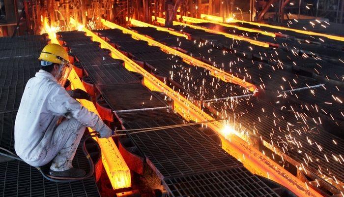 Власти Китая впервые объявили о масштабом сокращении рабочих в стране
