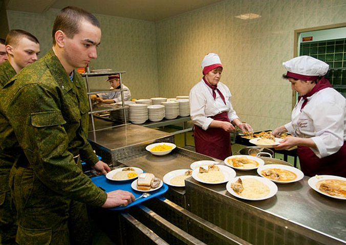 В столовых российских военнослужащих. Фото: mil.ru