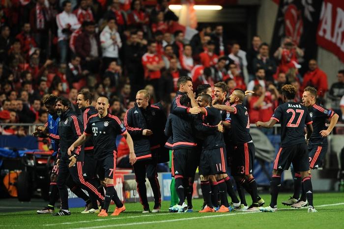 «Бавария» празднует выход в полуфинал ЛЧ, Лиссабон, Португалия, 13 апреля, 2016 год. Фото: Octavio Passos/Getty Images