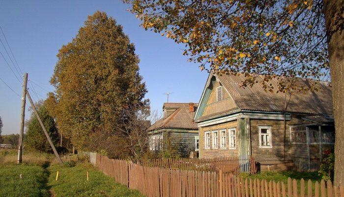 Способы замены фундамента под деревянным домом