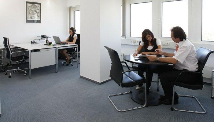 Такая разная Европа или западный подход к оформлению офиса