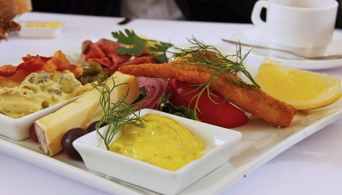 Доставка обедов Екатеринбург от компании «Еда на ура»