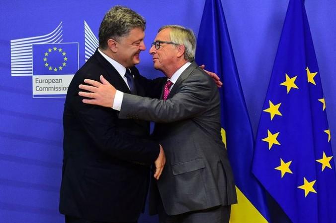 Президент Украины Пётр Порошенко и председатель Европейской комиссии Жан-Клод Юнкер. Фото: EMMANUEL DUNAND/AFP/Getty Images