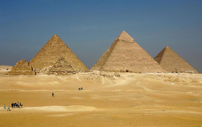 Пирамиды в долине Гизы.