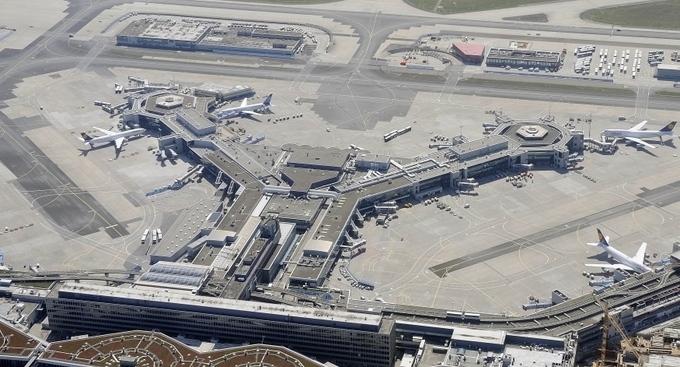 Международный аэропорт Франкфурт-на-Майне с высоты птичьего полёта. Фото: THOMAS LOHNES/AFP/Getty Images