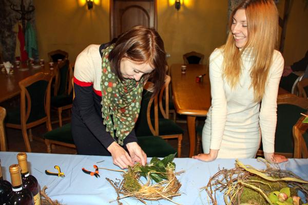 Мастер-класс по плетению из виноградной лозы. Фото: Алла Лавриненко/Великая Эпоха
