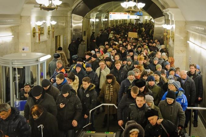 работники метро обвиняют в давках руководство