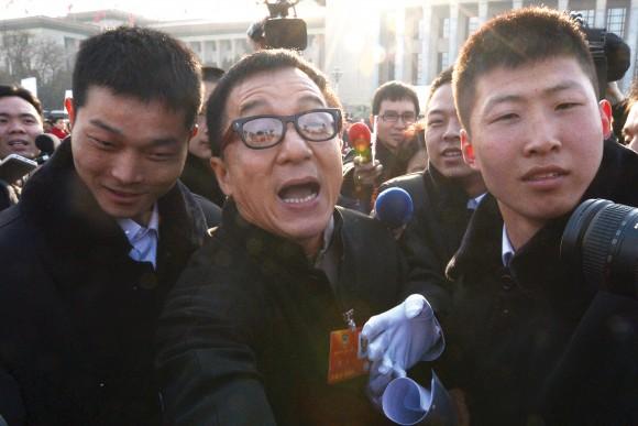 Джеки Чан на открытии съезда КПК в Пекине 3 марта 2013 г. Фото: Mark Ralston/AFP/Getty Images