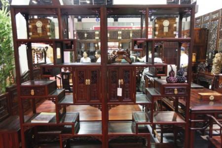 Традиционная китайская мебель из красного дерева. Фото: epochtimes.com