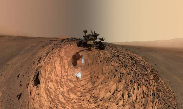 Марсоход Curiosity  на горе Шарп. Фото: nasa.gov