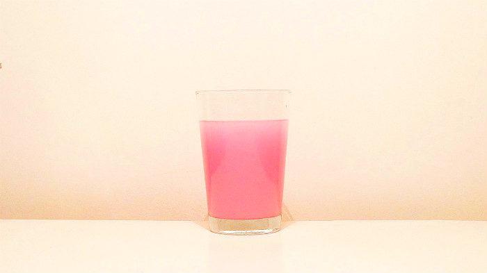 Почему подросткам лучше избегать сладких напитков и колы