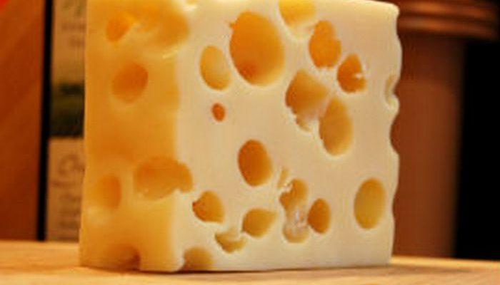 В древних горшках нашли следы доисторического швейцарского сыра