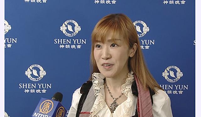 Актриса оригинального жанра Мэри посетила Shen Yun в Новом национальном театре в Токио 25 апреля. Фото: Courtesy of NTD Television