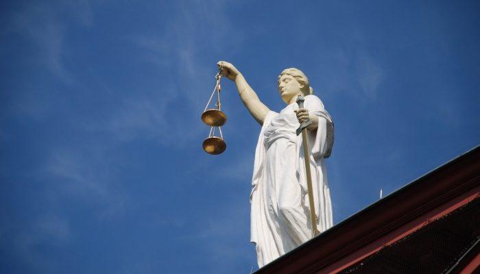 Какими бывают суды: 5 необычных судебных процессов
