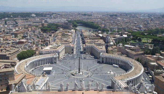 Все дороги ведут в Рим… Если есть загранпаспорт