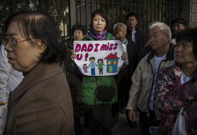 Родственники пропавших не верят версии властей. Фото: Kevin Frayer/Getty Images