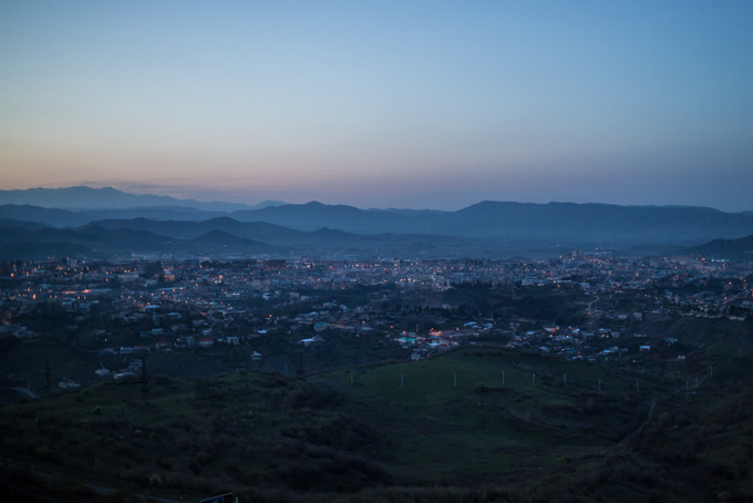 Вид на Степанакерт - столицу непризнанной Нагорно-Карабахской республики. Фото: Brendan Hoffman/Getty Images