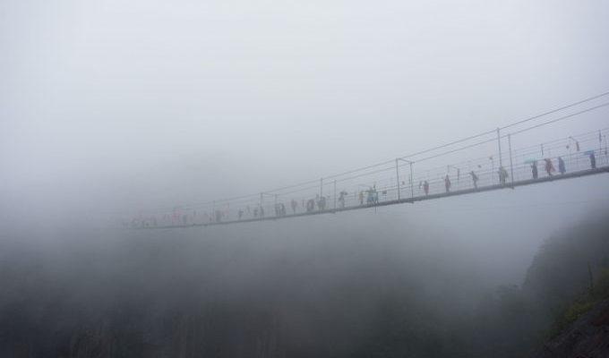 Стеклянные мосты в Китае и во всём мире (видео)