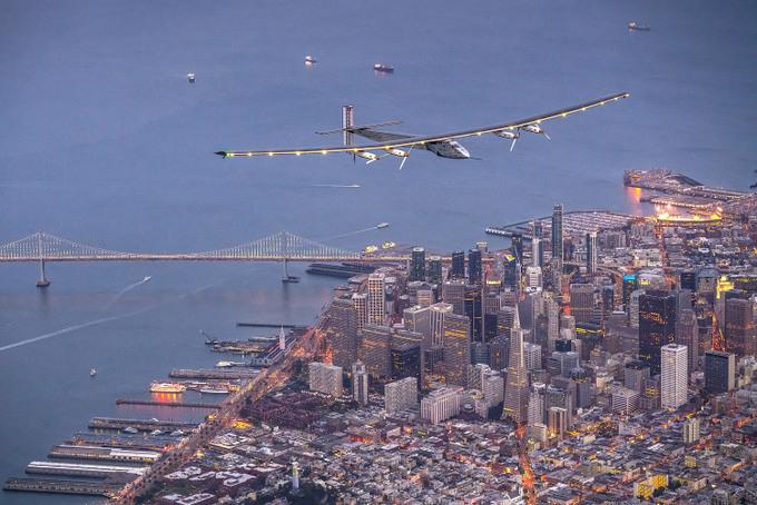 Самолёт на солнечных батарейках Solar Impulse 2. Фото: Jean Revillard via Getty Images