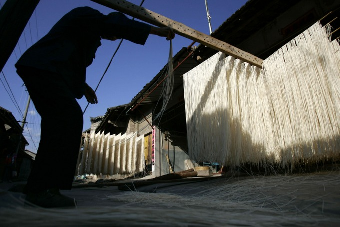 Приготовление лапши в Китае. Фото: China Photos/Getty Images
