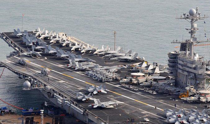 Китай не пустил американский авианосец в Гонконг в  «наказание»