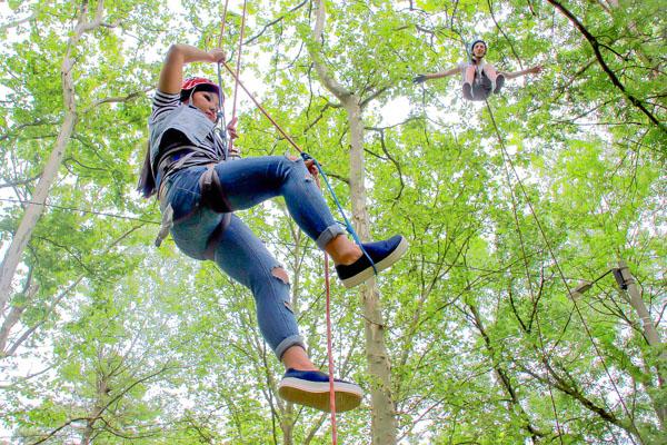 Альпинистские навыки можно получить на деревьях. Городской пикник добра в Симферополе. Фото: Алла Лавриненко/Великая Эпоха