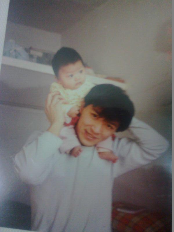 Хань с дочерью в 2000 г. Фото предоставлено Лу Шиюй