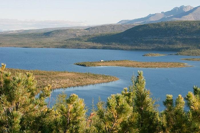 Озеро Джека Лондона, Магаданская область. Фото: wikipedia.org/Bartosh Dmytro/C BY 3.0