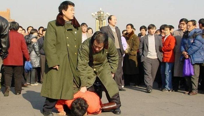 За год в Китае подверглись репрессиям более 19 тысяч сторонников Фалуньгун