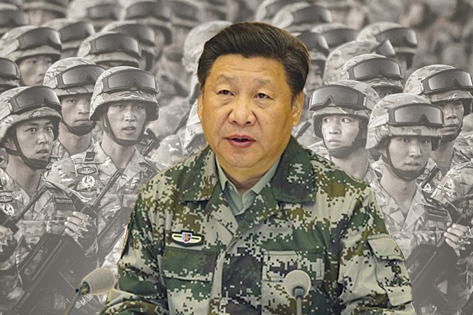 Си Цзиньпин в армейском камуфляже посетил штаб объединённого командования после объявления его командующим центральным военным советом 20 апреля 2016 г. Фото: Composed photo Epoch Times