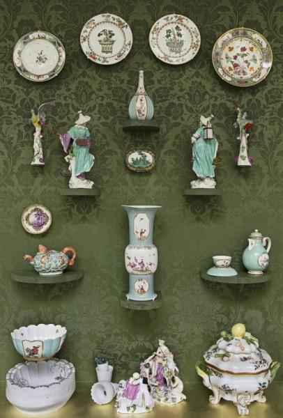 Коллекция мейсенского фарфора. Фото: Photo by Michael Bodycomb, Courtesy of The Frick