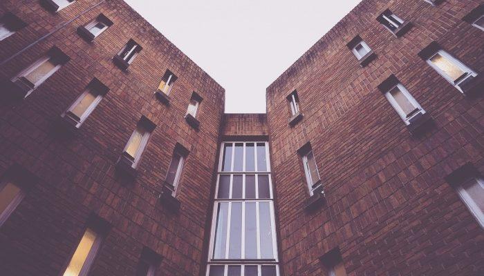 Стоит ли покупать апартаменты?